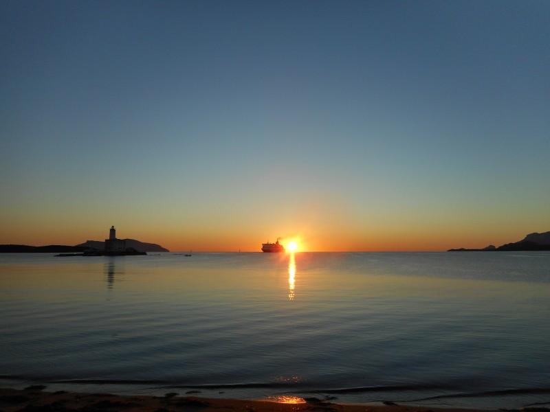 alba sul golfo di olbia