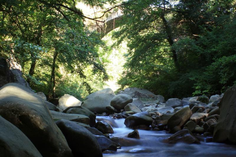 scorre il fiume (castiglione di garfagnana)