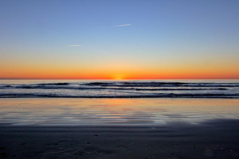 esplosione di colori al tramonto